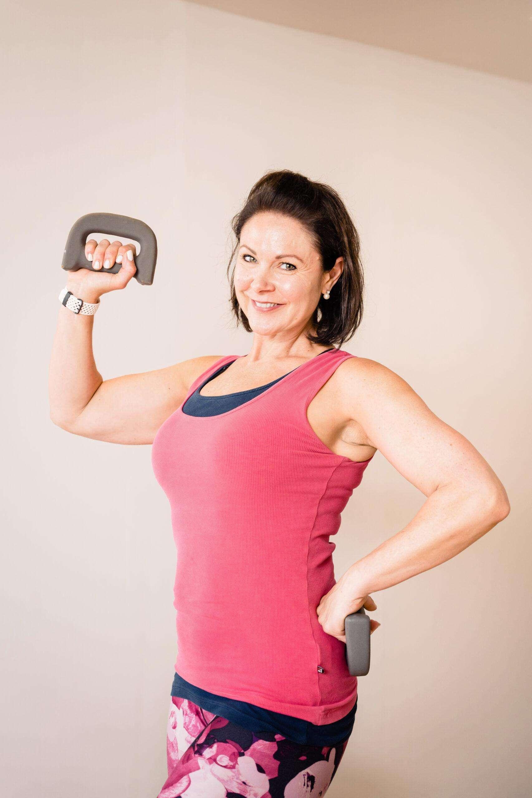 0nline fitness pilates cardio hiit cardio boxing vikki davis fitness
